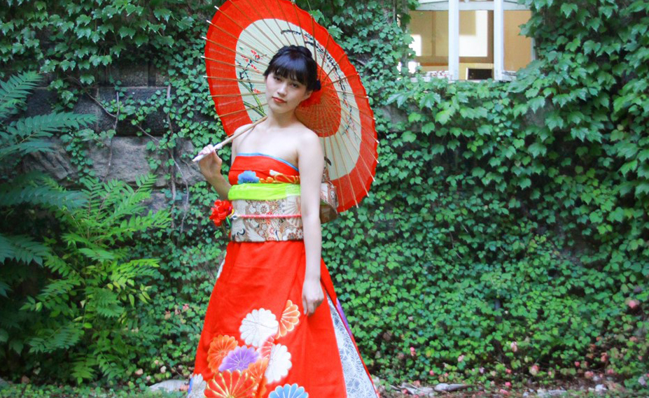 オリエンタル和装【着物がドレスに変身】